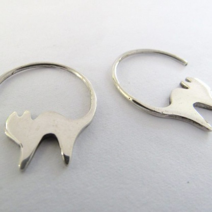Sterling Silver Hanging Cat Swoops Earrings - Goldfish Jewellery Design Studio