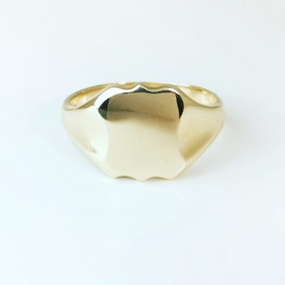 9ct Yellow Gold Ladies Shield Signet Ring