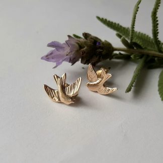 9k yellow gold 3d swallow studs